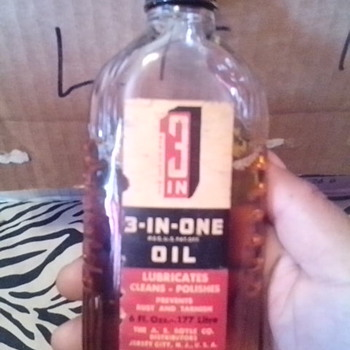 3 in one oil bottle - Petroliana