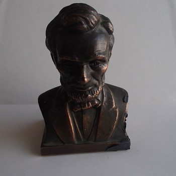 ANTIQUE 1928 ABRAHAM LINCOLN BUST COIN BANK - Coin Operated