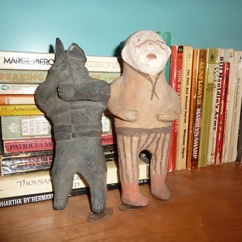 South American Pottery? Soldier and Farmer? - Figurines