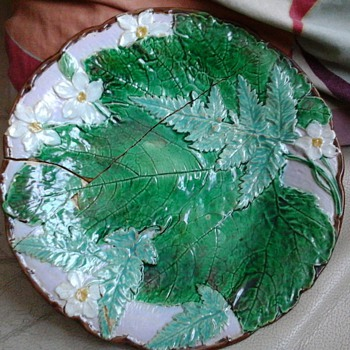 old majolica plate, - Art Pottery