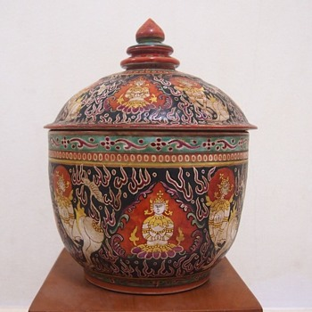 Large Bencharong Covered Urn - Pottery