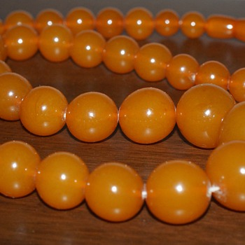 Vintage Necklace - Bakelite??? - Costume Jewelry