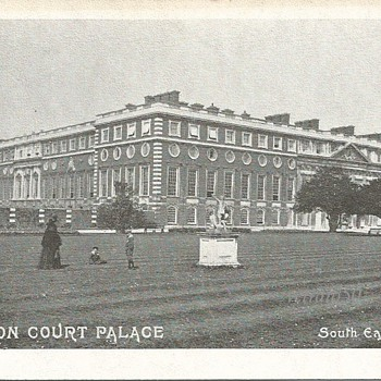 HAMPTON COURT PALACE SOUTH EAST FRONT. - Postcards