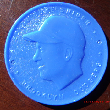 "1955 Armour Coin Brooklyn Dodgers Edwin ""Duke"" Snider found in $1 box lot   - Baseball"