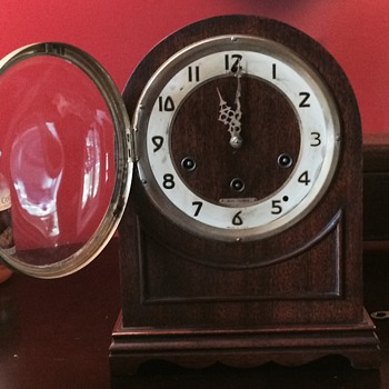 1940s Seth Thomas and 1930s Plymouth mantel clocks