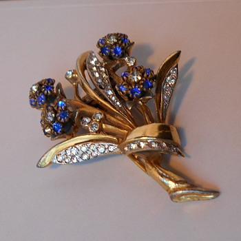 Ralph DeRosa Trembling Flowers Bouquet Fur / Dress Clip - Costume Jewelry