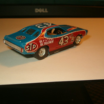 1/64TH TYCO RICHARD PETTY CHARGER SLOT CAR
