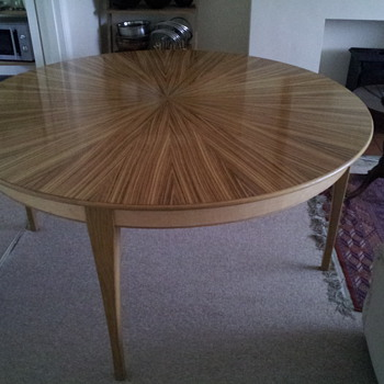 Dining Table - from what era - Furniture