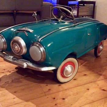 Moskvich Pedal Car Generation I 1969 MZMA(Studebaker Champion 1950-1951) - Toys