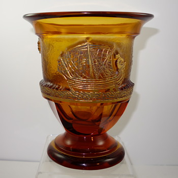 Moser Longship Vase, Deep Acid Etched, designed by Gustav Moser-Millot, ca. 1936 - Art Glass