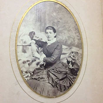 Antique photo album - Photographs