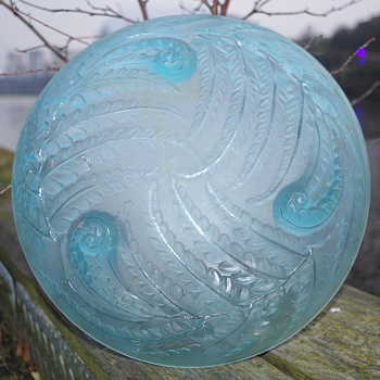 ETLING -  FRANCE - 98 FERN GLASS BOWL