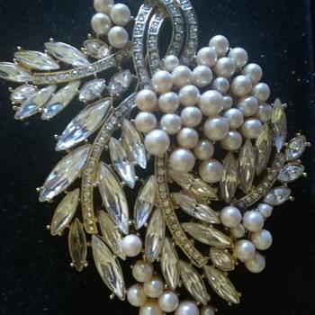 Costume Estate Spray Brooch - Costume Jewelry
