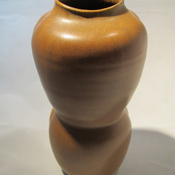 Arne Bang pottery unique object dated 1952