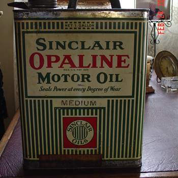 Sinclair Opaline Motor Oil Can... One Gallon...From The 1920's - Petroliana