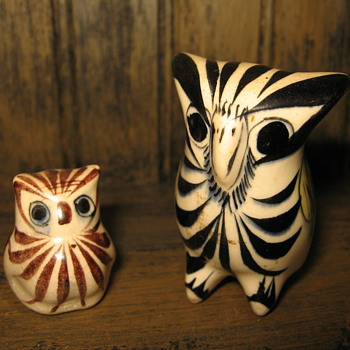 Vintage Mexico stylish pottery owls Handpainted Signed - Art Pottery