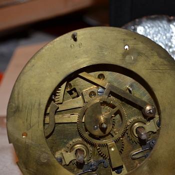 Mystery Auction Mantel Clock  HELP! - Clocks