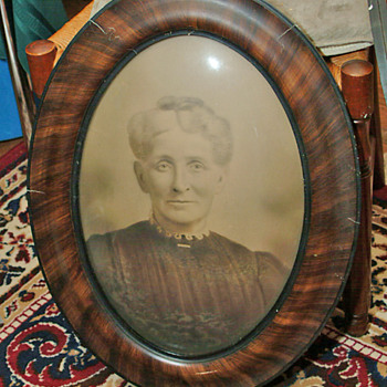 Other prints of women with nice crown bubble oval  Frames - Photographs