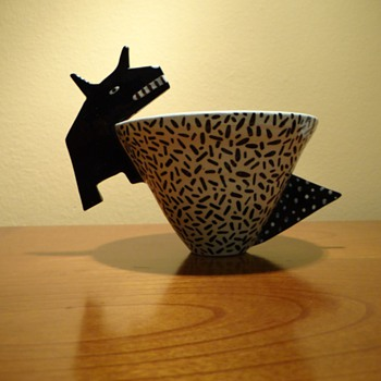 MODERN ART POTTERY  - 1980s / POP ART  - Art Pottery