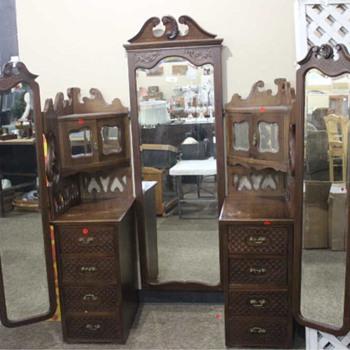 Dresser/Vanity - Furniture