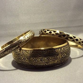 Vintage bangles  - Costume Jewelry