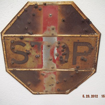 US ROUTE 66 OLD STOP SING FOUND IN VICTORVILLE CA - Signs