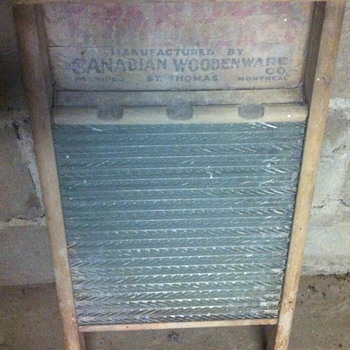 1930 or 1940 wash board.