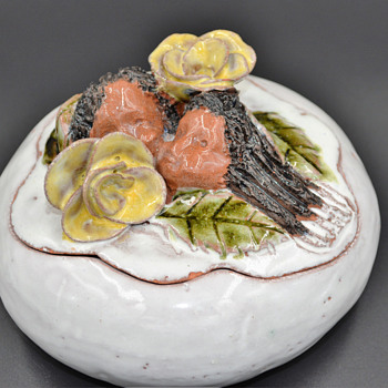 Love finding little treasure's like this...... - Art Pottery