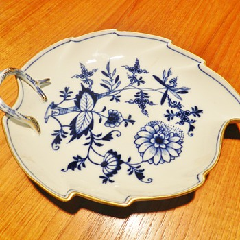 Post 1815 Meissen Blue Onion Leaf-Shaped Tray - China and Dinnerware