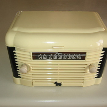 Art Deco Remler Model 5300 Scottie Dog Tube Radio / Record Player 1947 - Radios