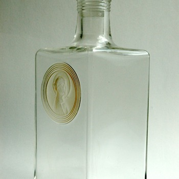 "french art deco decanter "" sainte odile"" by RENE LALIQUE - Bottles"