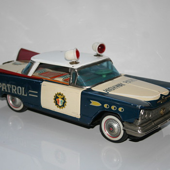 Ichiko highway patrol friction tin toy car - Toys