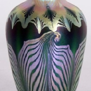 "Another ""Favorite"" Quezal Vase - Art Glass"