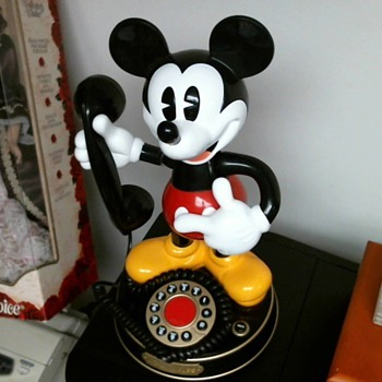 Mickey Mouse Phone..What year is this? A real Phone? - Telephones