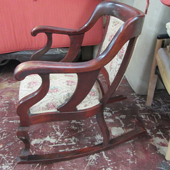 rocking chair early 20th century?