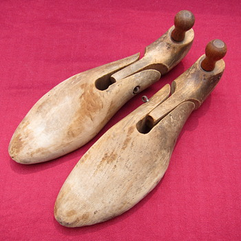 Antique Shoe Stays