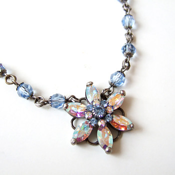 Aurora Borealis star flower prong setting crystal blue necklace