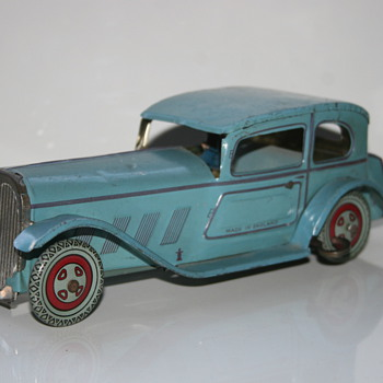 sedan Wells wind up tin toy