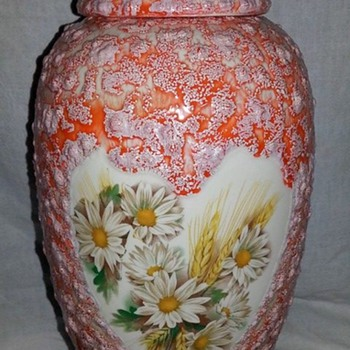 I love daisies! Ginger Jar - Art Pottery