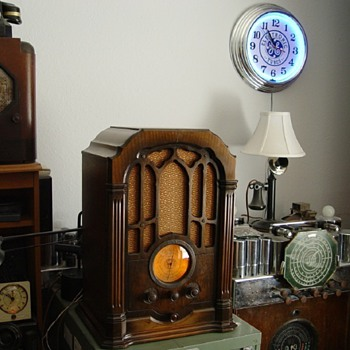 RCA model 140 - Radios