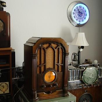 RCA model 140 - Radios