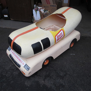 Oscar Meyer Weinermobile - Model Cars