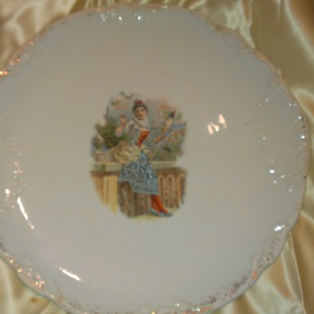 Large porcelin serving plate