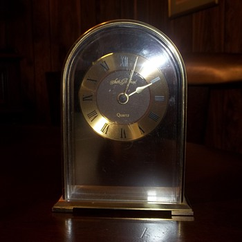 Seth Thomas Quartz Clock - Clocks