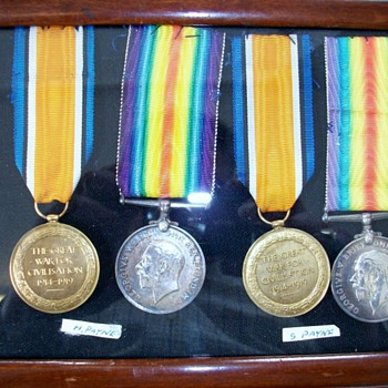 2 x pair of WW1 Medals