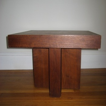 Does anyone know anything about this side table? - Furniture