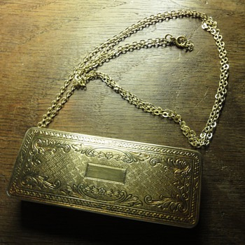 Vintage Du Barry Richard Hudnut gold tone oblong necklace compact