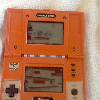 1982 nintendo donkey kong game & watch  - Games