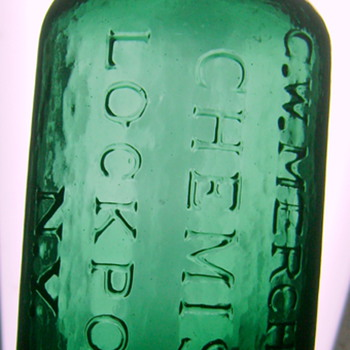BEAUTIFUL G.W. MERCHANT, LOCKPORT, NY BOTTLE - Bottles