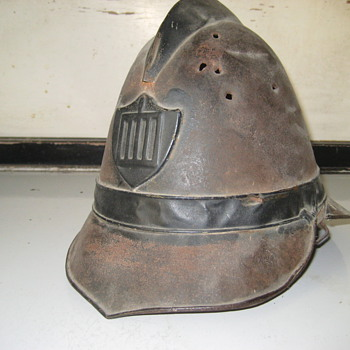 Unknown helmet - Military and Wartime